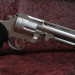 C:\Users\Stan\Desktop\20.5.19\NP\gun_pistol_handgun_revolver_firearm_weapon_bullets_dangerous-1022275.jpg