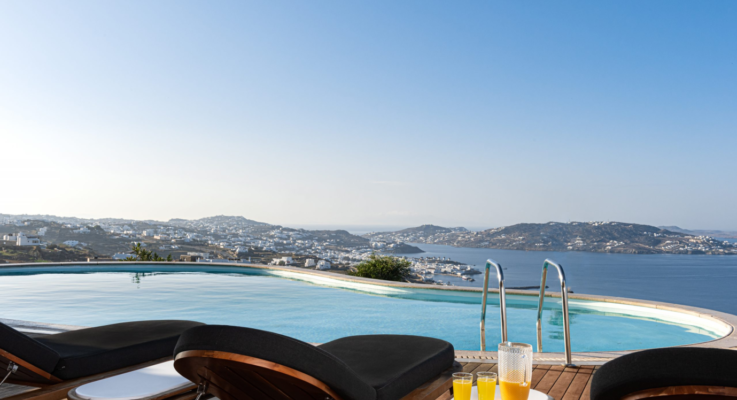 How to Choose Best Rental Luxury Villas in Mykonos during Holidays