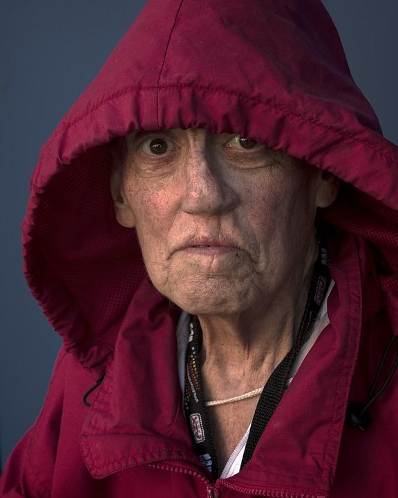 https://pixabay.com/photos/people-portrait-woman-elderly-2429223/