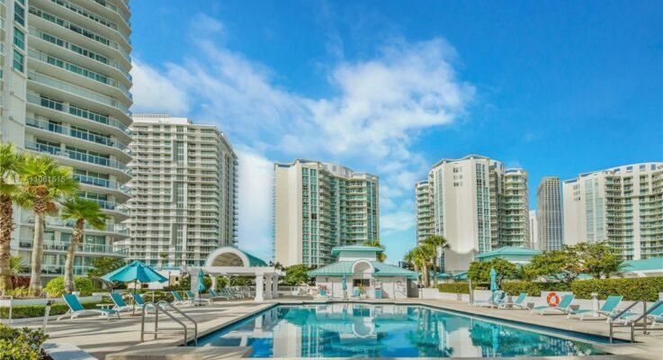 Oceania Sunny Isles condos for rent